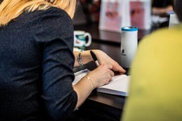 Czego pisarz może się nauczyć od reportera?